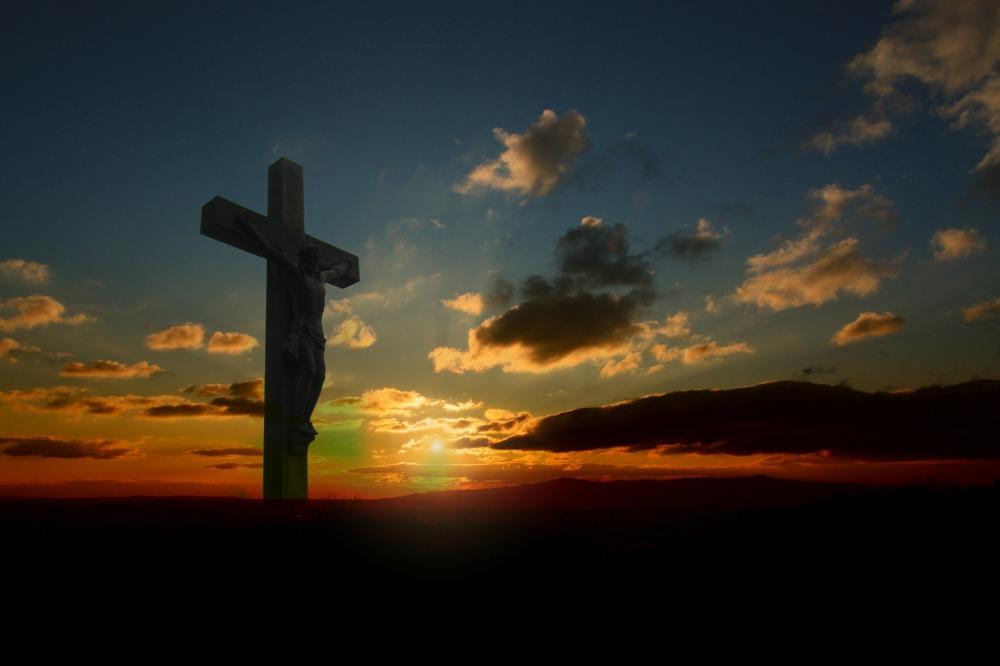 Jesus on the cross-78000_1920