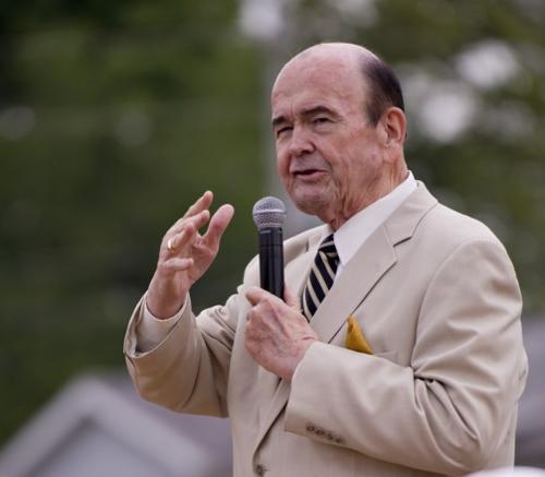 Rodney Dukes preaching