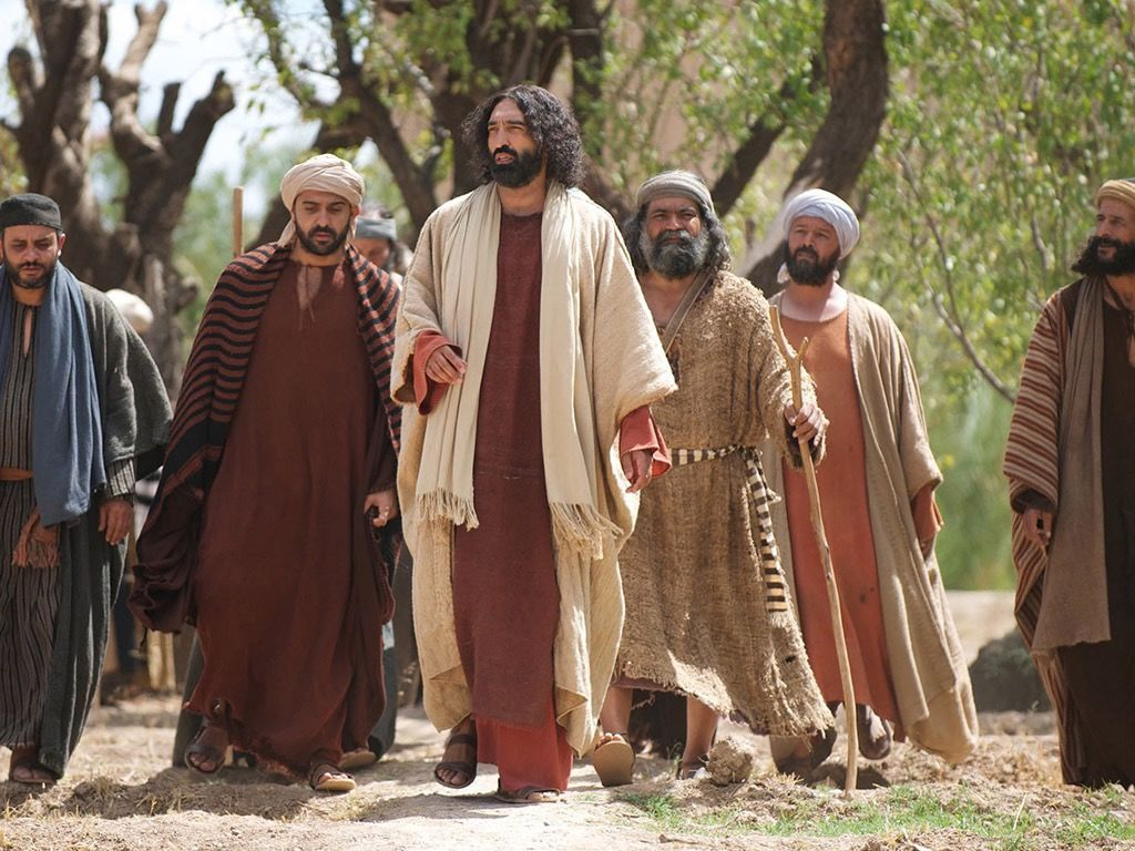 Jesus travels with disciples Photo free Bible images
